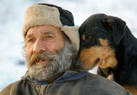 人与动物间最温馨的画面