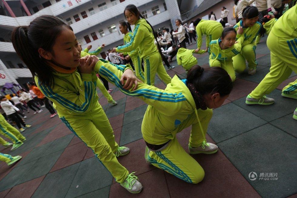 为防女童被性侵 女子防身术走进小学课堂 青