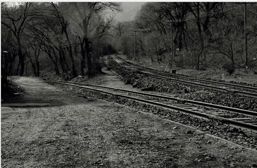 """由詹天佑设计的著名的""""人""""字形铁路.图片"""