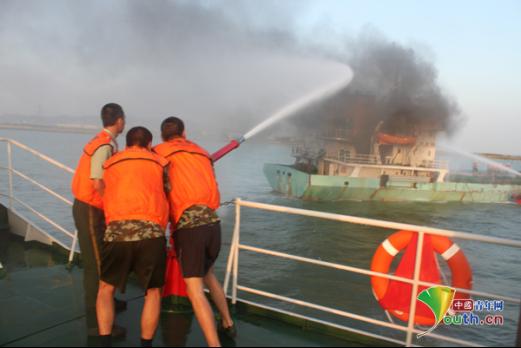 """海警44044艇:这片""""蔚蓝""""是我们永远的守候"""