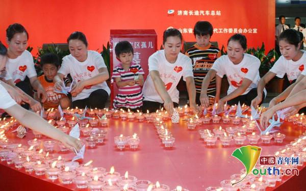 中华第一站:用坚守 为百姓出行送上一份温暖与平安